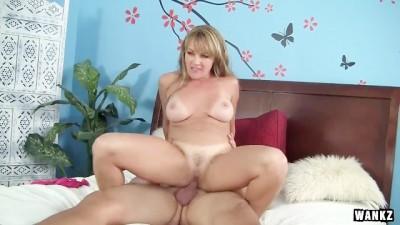 Blonde babe tube