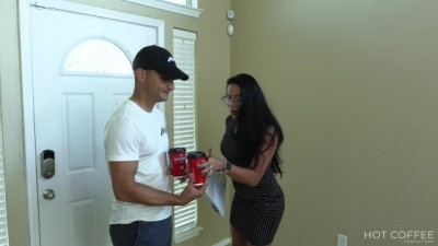 Sexy realtor fucks her client and makes him cum twice
