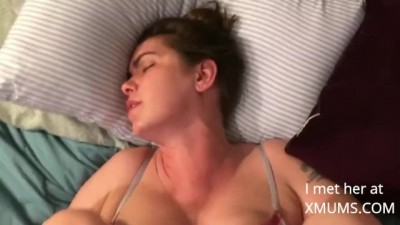 Horny mom begs to get fucked (Real Amateur)