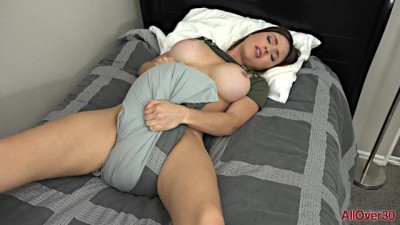 Sweet Krissy Lynn Young Mom Solo in Bed