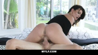 Hottie Milf Gets Pounded By Angry Young