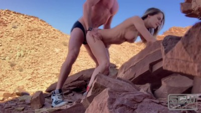 Amateur Couple Fucking and Sucking Las Vegas Mountains