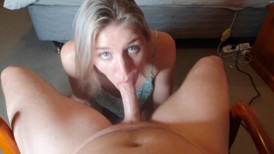 Hottie Sexy College Girl Thirsty for Cum