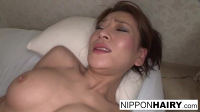 Slut Japanese Gets Fucked her Wet Pussy