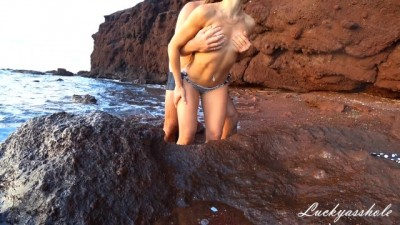 Slender brunette with big ass fucks on a deserted beach and gets creampie